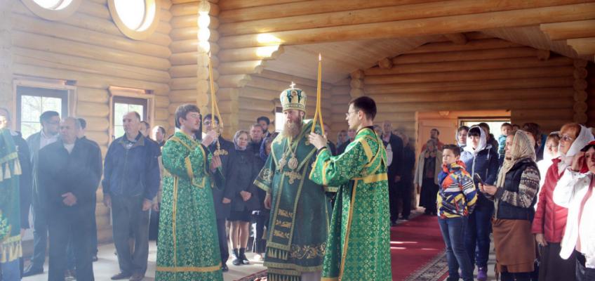 Первая Божественная литургия в храме преподобного Олега Брянского в поселке Минзаг